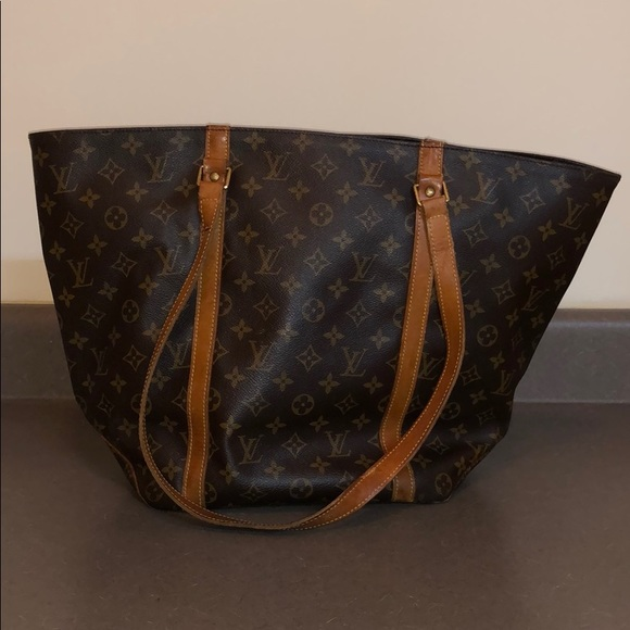 Used Louis Vuitton Purses >> Used Louis Vuitton Tote Purse